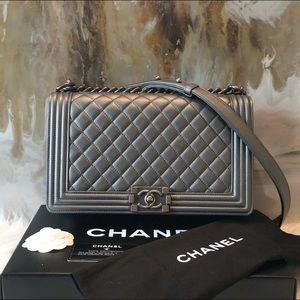 CHANEL Medium Gray Boy Bag 100% authentic